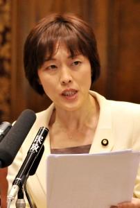 日本年金機構の非正規雇い止めを批判参院予算委で田村智子議員