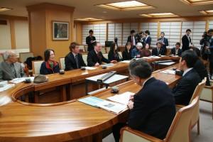被爆国の声を世界に 岩手NPT代表団が副知事などと懇談