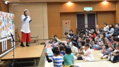 奈良市母親大会で絵本ライブ